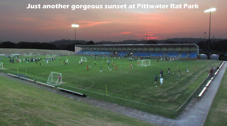 FootballSSG is played at the best venues with the best playing surface and the best lighting. This photo taken at Pittwater Rat Park, October 2012